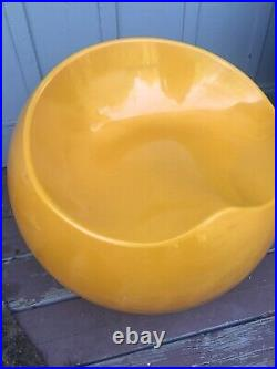 Extremely Rare Vintage Eero Aarnio Gyro chair Amazing Color Great Condition