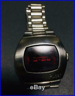 Pulsar P2 LED Time Computer Wrist Watch James Bond Vintage Rare 1973 Japan FedEx