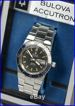 RARE Vintage BULOVA ACCUTRON Snorkel 666 Blue Bezel Stainless Watch with Box CLEAN