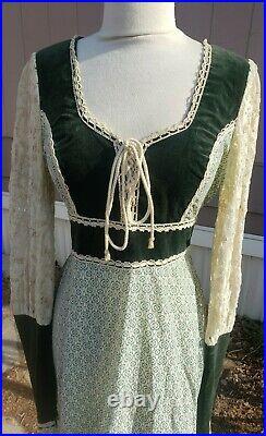 Rare Vintage 1970s Gunne Sax Midi Dress green velvet Floral sz 11