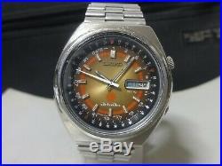 Vintage 1972 SEIKO Automatic watch advan 21J 7019-6050 Rare Calendar Bezel