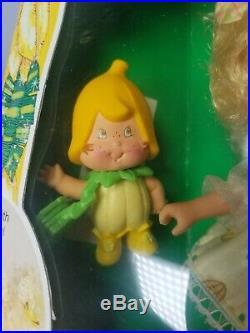 Vintage Strawberry Shortcake Banana Twirl Berrykin Doll & Critter. RARE! MINT